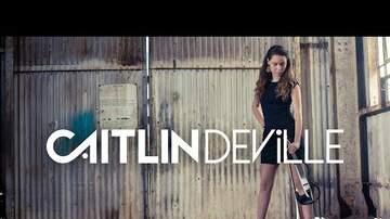 Jessi Dee - Caitlin De Ville utiliza un violín eléctrico para tocar Despacito