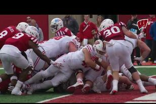 Alec Ingold's three touchdowns power Wisconsin to victory