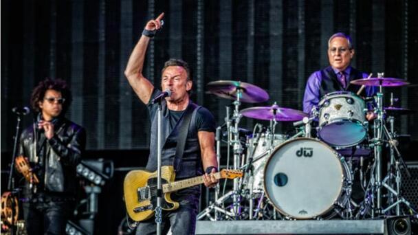 """Bruce Springsteen dice que tiene nuevo álbum y """"saldrá pronto"""""""