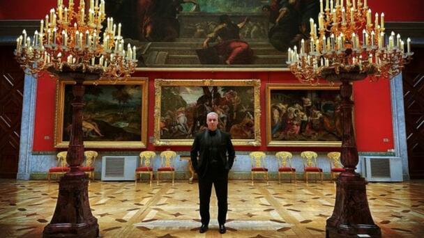 Till Lindemann de Rammstein, presenta rola de 1939, versión orquesta