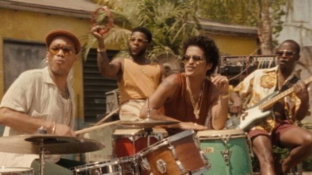 """Bruno Mars y Anderson .Paak's de Silk de Sonic, liberan nuevo sencillo """"..."""